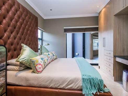 Bedroom 1: modern Bedroom by Riverwalk Furniture