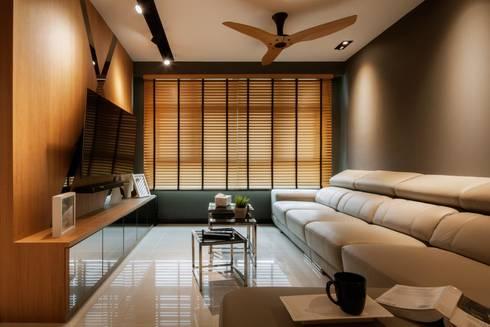 Bartley Residence Interior Design Sinagapore - Living Room: minimalistic Living room by Posh Home Interior Design