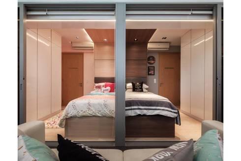 Bartley Residence Interior Design Singapore: minimalistic Nursery/kid's room by Posh Home Interior Design