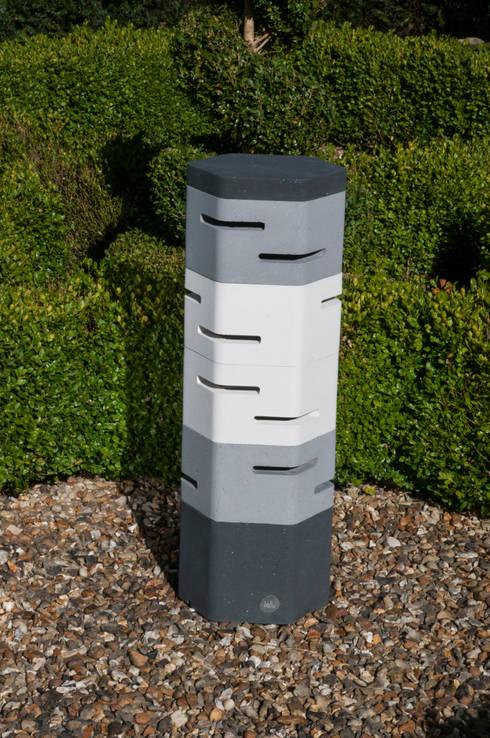 Holix IV in Charcoal Lustre, Grey Mist and Vanilla Ice:  Balconies, verandas & terraces  by Jalu Ltd