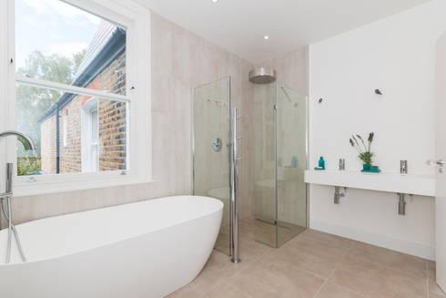 House Renovation Lysia Street, Fulham SW6: modern Bathroom by APT Renovation Ltd