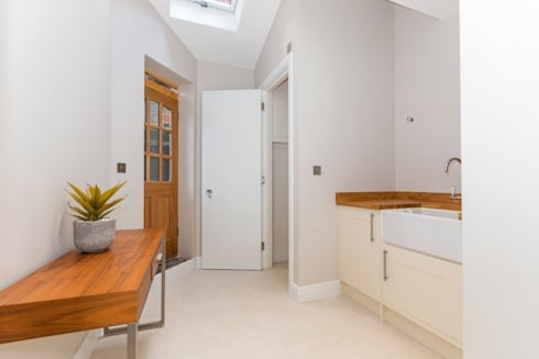 House Renovation Lysia Street, Fulham SW6:  Corridor & hallway by APT Renovation Ltd