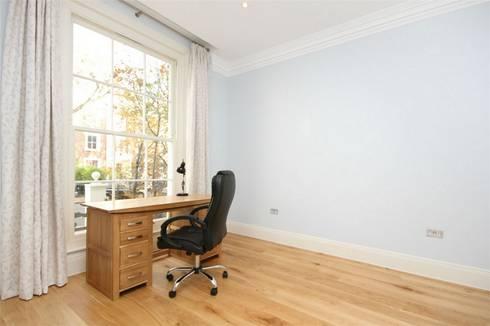 Hammersmith Grove, London, W6: modern Study/office by APT Renovation Ltd