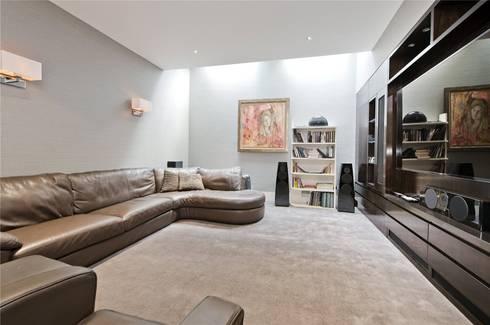 Halsey Street SW3: modern Living room by APT Renovation Ltd