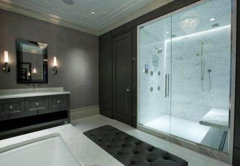 modernos y personalizados: Baños de estilo moderno por arqutectos innova
