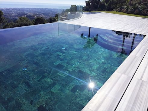 Proyecto marmara de piscinas godo homify for Estilos de piscinas modernas