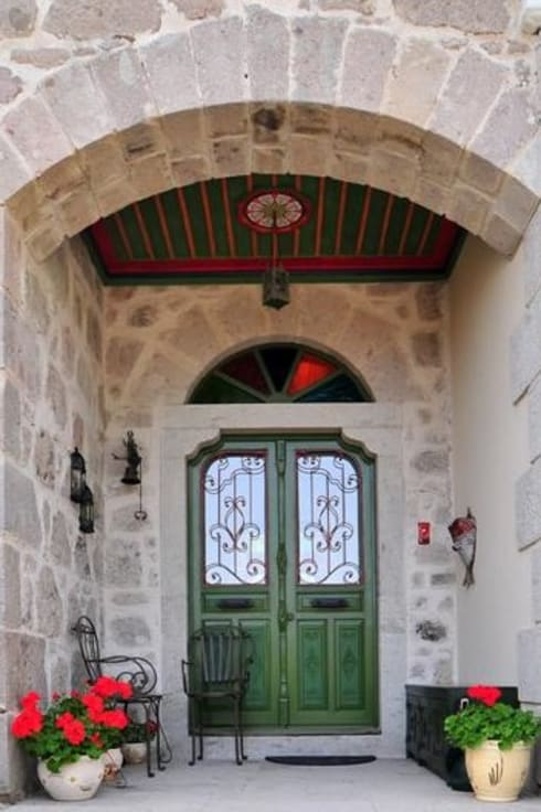 Ventanas de estilo  por Ebru Erol Mimarlık Atölyesi