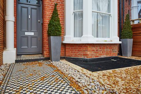 Wolverton Gardens, W6: modern Houses by APT Renovation Ltd