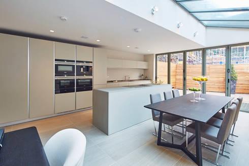 Wolverton Gardens, W6: modern Dining room by APT Renovation Ltd
