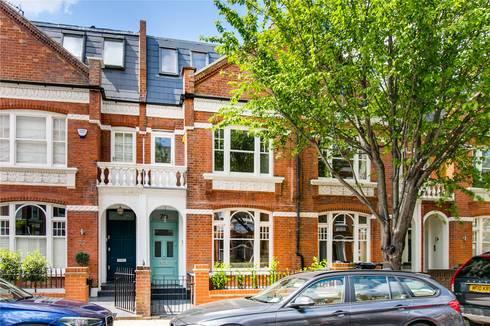Perrymead Street, SW6: modern Houses by APT Renovation Ltd