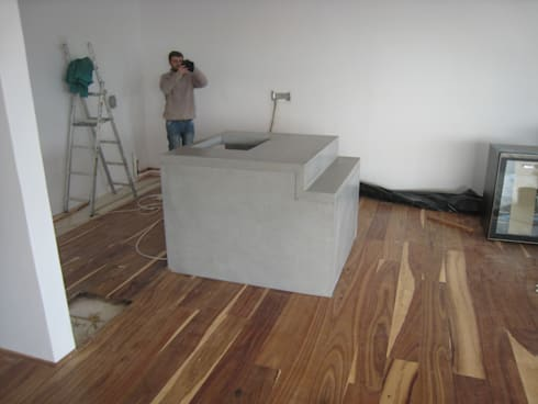 Island unit under construction: modern Kitchen by Stoneform Concrete Studios