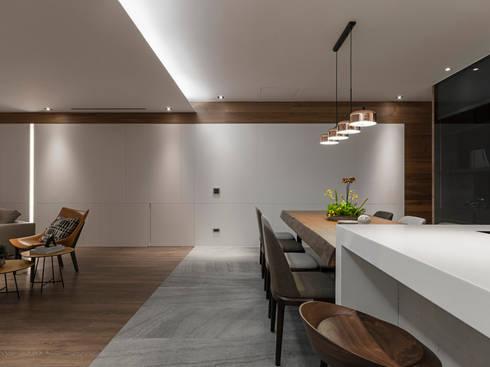 取景.生活敞域:  廚房 by 拾葉 建築室內設計