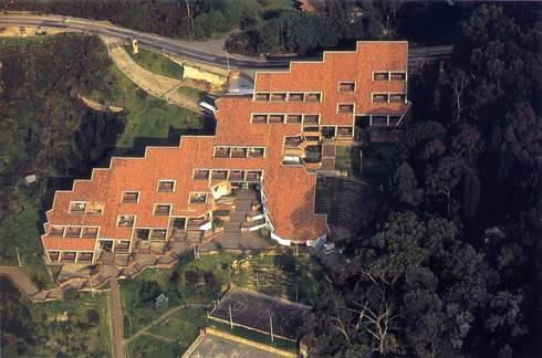 Universidad Distrital Francisco Jose de Caldas: Estudios y despachos de estilo moderno por Grupo GAAB SAS - Arquitectura & Diseño