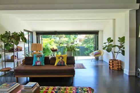 House Morningside: modern Living room by Ferguson Architects
