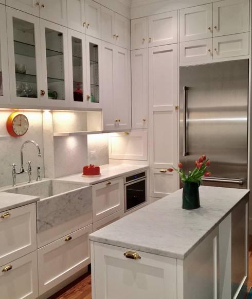 Classic Kitchen : classic Kitchen by Lorraine Bonaventura Architect