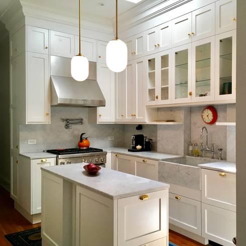 Brooklyn Brownstone Duplex: classic Kitchen by Lorraine Bonaventura Architect
