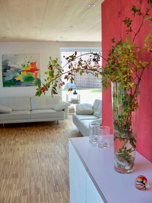 WOHNZIMMER:  Wohnzimmer von ARCHITEKTEN GECKELER