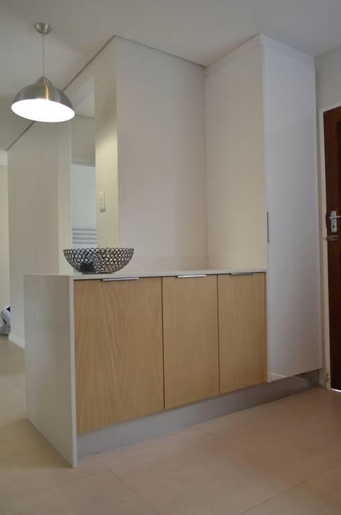 veneer:  Kitchen by Première Interior Designs
