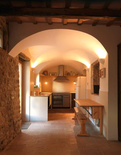 廚房 by Irabé Projectes