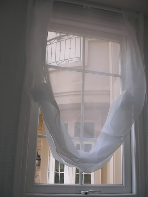 ม่านโปร่งยกชั้นเดียว:  หน้าต่างและประตู by C&M
