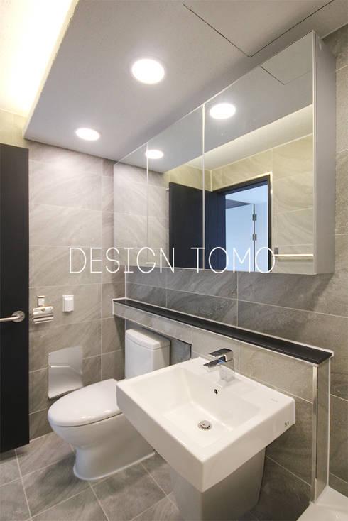modern Bathroom by 디자인토모