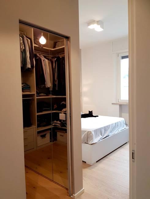 Casa Ellecì: Camera da letto in stile in stile Moderno di SuMisura
