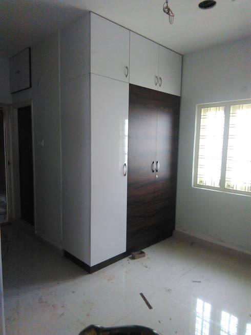 wardrobe: minimalistic Bedroom by BYOD Dezigns