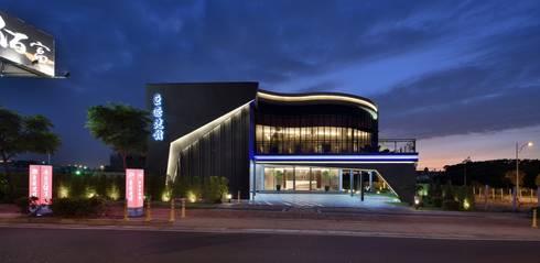 巨匠百富:  餐廳 by 禾御建築室內設計有限公司