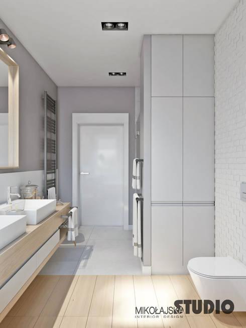 jasna łazienka: styl , w kategorii Łazienka zaprojektowany przez MIKOŁAJSKAstudio