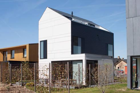 uitbouw: moderne Huizen door 8A Architecten
