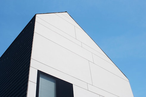 geveldetail: moderne Huizen door 8A Architecten
