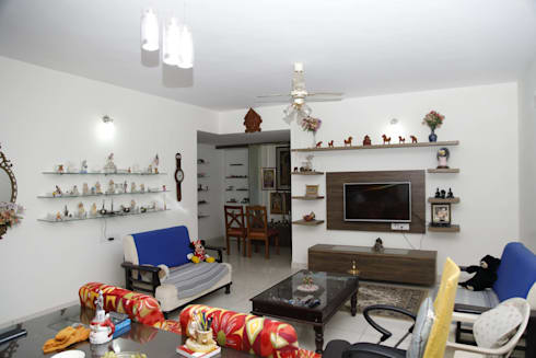 Wooden Furniture Designs For Living Room: asian Living room by Scale Inch Pvt. Ltd.