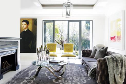 Sandhurst home: modern Living room by Casarredo