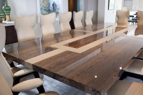 Fendi Casa: modern Dining room by Casarredo