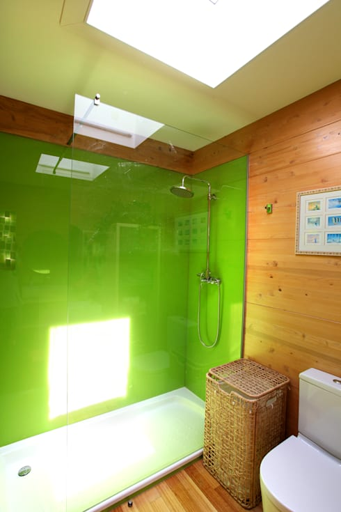 RUSTICASA | Casa do Brezo | Paredes de Coura: Casas de banho  por Rusticasa