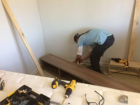 Preparando la instalación : Hogar de estilo  por N.Muebles Diseños Limitada