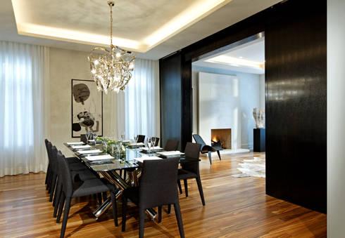 Dining Room with Doors Open: modern Dining room by Douglas Design Studio