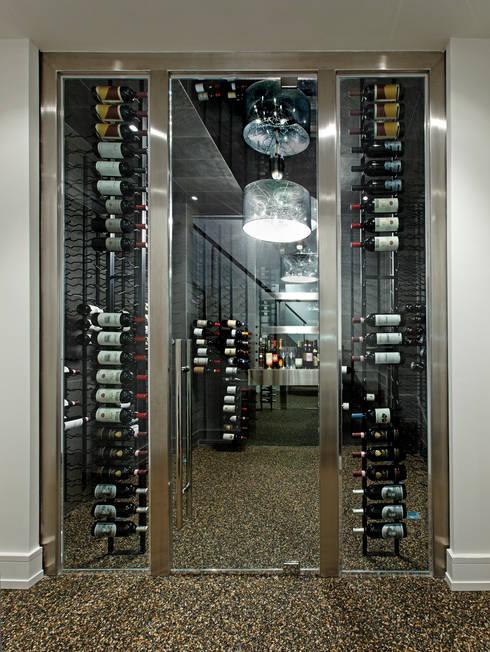 Modern Wine Cellar:  Wine cellar by Douglas Design Studio