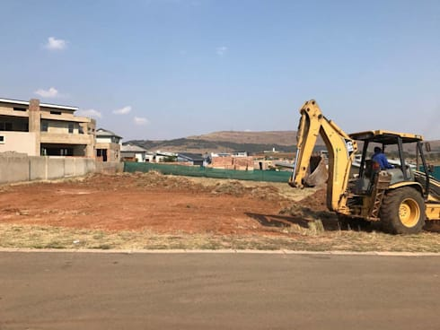 Site clearing for Powell Family Residence:   by Seven Stars Developments