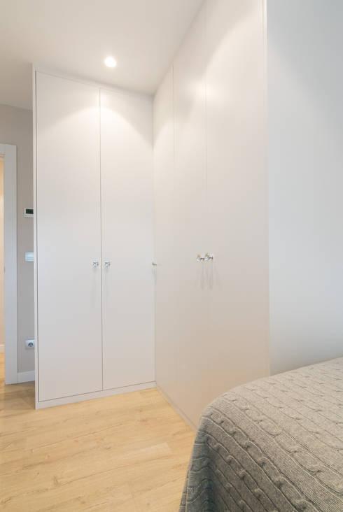 غرفة الملابس تنفيذ Rooms de Cocinobra