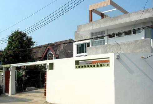 House @ ซ.ชินเขต:  บ้านและที่อยู่อาศัย by SDofA Architect