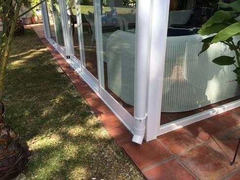 Cerramiento de patio exterior con cortinas de cristal de - Cerramiento de patios ...