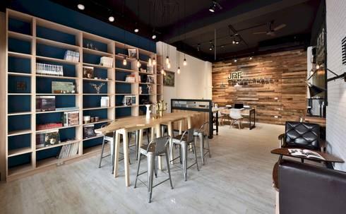 民間司法改革基金會台中辦公室|JRF, Taichung LO:  辦公室&店面 by 理絲室內設計有限公司 Ris Interior Design Co., Ltd.
