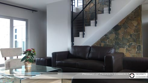 Property Commerce Offices: modern Houses by Property Commerce Architects