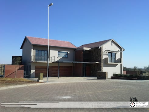 House Snyman: modern Houses by Property Commerce Architects