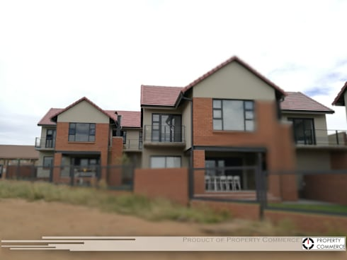 Crassula, Townhouse Development: modern Houses by Property Commerce Architects