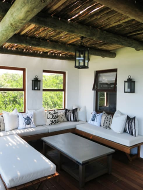 Kleinbos:  Balconies, verandas & terraces  by Full Circle Design