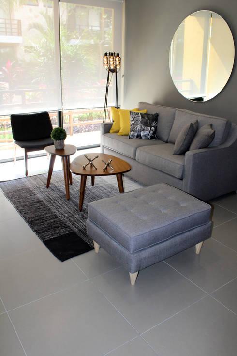 غرفة المعيشة تنفيذ Spacelab interiorismo tropical