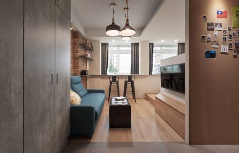 小資工業住宅:  客廳 by 有偶設計 YOO Design