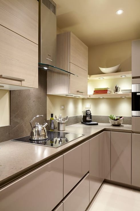 INTERIOR FLAT:  Kitchen by Archie-Core